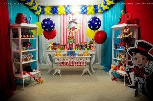 Circus themed birthday party via Kara's Party IDeas KarasPartyIdeas.com (30)
