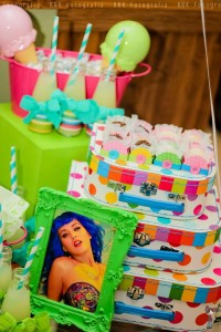KATY PERRY Candy Land + Sweet Shoppe themed birthday party via Kara's Party Ideas | KarasPartyIdesa.com #katy #perry #candy #land #shoppe #sweet #party #ideas #birthday #cake #decorations #supplies #ideas #cupcakes #favor #idea (61)