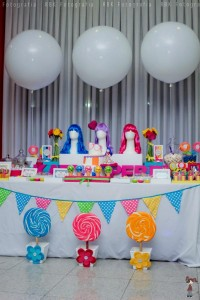 KATY PERRY Candy Land + Sweet Shoppe themed birthday party via Kara's Party Ideas | KarasPartyIdesa.com #katy #perry #candy #land #shoppe #sweet #party #ideas #birthday #cake #decorations #supplies #ideas #cupcakes #favor #idea (60)
