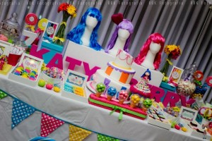 KATY PERRY Candy Land + Sweet Shoppe themed birthday party via Kara's Party Ideas | KarasPartyIdesa.com #katy #perry #candy #land #shoppe #sweet #party #ideas #birthday #cake #decorations #supplies #ideas #cupcakes #favor #idea (45)