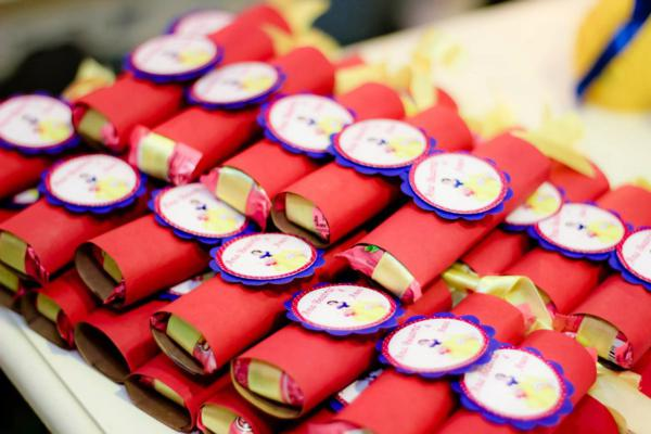 Snow White Birthday Party via Kara's Party Ideas | KarasPartyIdeas.com #snow #white #disney #princess #party #ideas (33)