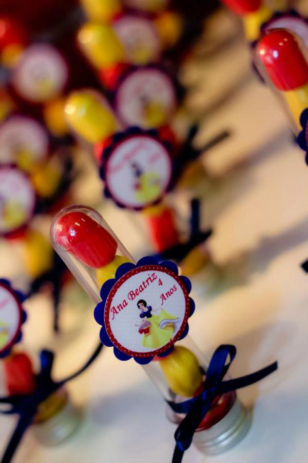 Snow White Birthday Party via Kara's Party Ideas | KarasPartyIdeas.com #snow #white #disney #princess #party #ideas (26)