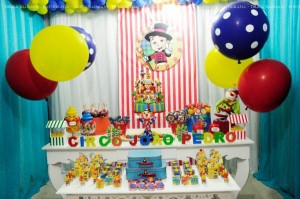 Circus themed birthday party via Kara's Party IDeas KarasPartyIdeas.com (6)