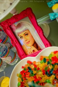 KATY PERRY Candy Land + Sweet Shoppe themed birthday party via Kara's Party Ideas | KarasPartyIdesa.com #katy #perry #candy #land #shoppe #sweet #party #ideas #birthday #cake #decorations #supplies #ideas #cupcakes #favor #idea (33)