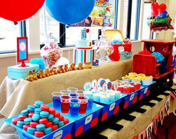 Kara 39 s party ideas train boy themed birthday party - S birthday party decorations ...