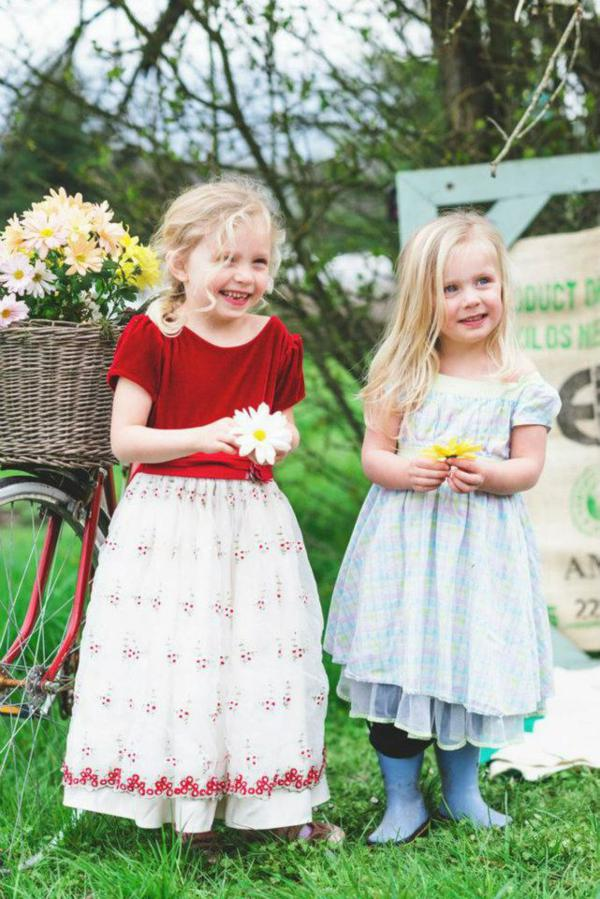 Vintage Easter Picnic Party via Kara's Party Ideas | KarasPartyIdeas.com #vintage #easter #picnic #boutique #upcycled (12)