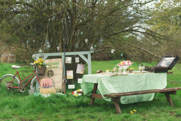 Vintage Easter Picnic Party via Kara's Party Ideas | KarasPartyIdeas.com #vintage #easter #picnic #boutique #upcycled (10)