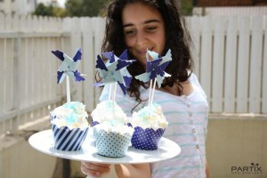 Israel Independence Day Party via Kara's Party Ideas | KarasPartyIdeas.com #israel #independence #day #party (20)
