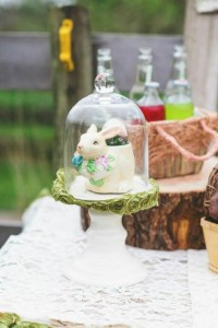 Vintage Easter Picnic Party via Kara's Party Ideas | KarasPartyIdeas.com #vintage #easter #picnic #boutique #upcycled (6)