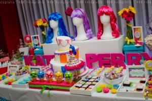 KATY PERRY Candy Land + Sweet Shoppe themed birthday party via Kara's Party Ideas | KarasPartyIdesa.com #katy #perry #candy #land #shoppe #sweet #party #ideas #birthday #cake #decorations #supplies #ideas #cupcakes #favor #idea (27)