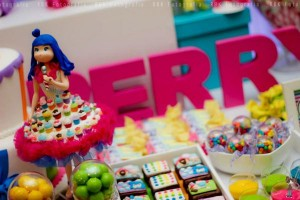 KATY PERRY Candy Land + Sweet Shoppe themed birthday party via Kara's Party Ideas | KarasPartyIdesa.com #katy #perry #candy #land #shoppe #sweet #party #ideas #birthday #cake #decorations #supplies #ideas #cupcakes #favor #idea (23)