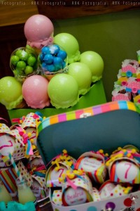 KATY PERRY Candy Land + Sweet Shoppe themed birthday party via Kara's Party Ideas | KarasPartyIdesa.com #katy #perry #candy #land #shoppe #sweet #party #ideas #birthday #cake #decorations #supplies #ideas #cupcakes #favor #idea (22)