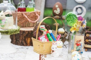 Vintage Easter Picnic Party via Kara's Party Ideas | KarasPartyIdeas.com #vintage #easter #picnic #boutique #upcycled (1)