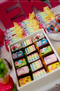 KATY PERRY Candy Land + Sweet Shoppe themed birthday party via Kara's Party Ideas | KarasPartyIdesa.com #katy #perry #candy #land #shoppe #sweet #party #ideas #birthday #cake #decorations #supplies #ideas #cupcakes #favor #idea (19)