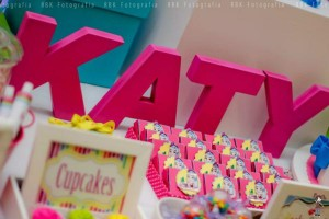 KATY PERRY Candy Land + Sweet Shoppe themed birthday party via Kara's Party Ideas | KarasPartyIdesa.com #katy #perry #candy #land #shoppe #sweet #party #ideas #birthday #cake #decorations #supplies #ideas #cupcakes #favor #idea (17)