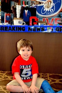Live at FIVE anchorman NEWS themed birthday party via Kara's Party Idesa | KarasPartyIdeas.com (8)