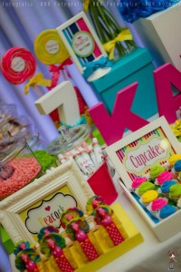 KATY PERRY Candy Land + Sweet Shoppe themed birthday party via Kara's Party Ideas | KarasPartyIdesa.com #katy #perry #candy #land #shoppe #sweet #party #ideas #birthday #cake #decorations #supplies #ideas #cupcakes #favor #idea (11)