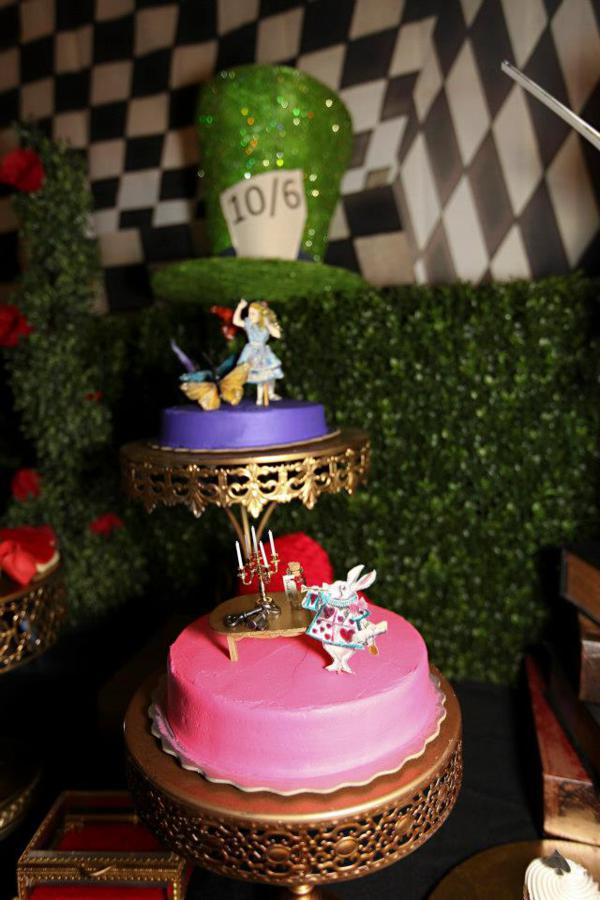 Kara 39 s party ideas midnight alice in wonderland 30th un - Alice in the wonderland party decorations ...