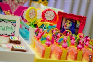 KATY PERRY Candy Land + Sweet Shoppe themed birthday party via Kara's Party Ideas | KarasPartyIdesa.com #katy #perry #candy #land #shoppe #sweet #party #ideas #birthday #cake #decorations #supplies #ideas #cupcakes #favor #idea (9)