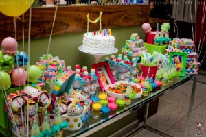 KATY PERRY Candy Land + Sweet Shoppe themed birthday party via Kara's Party Ideas | KarasPartyIdesa.com #katy #perry #candy #land #shoppe #sweet #party #ideas #birthday #cake #decorations #supplies #ideas #cupcakes #favor #idea (64)