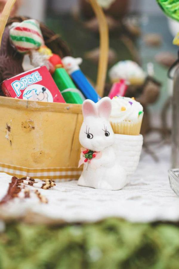 Vintage Easter Picnic Party via Kara's Party Ideas | KarasPartyIdeas.com #vintage #easter #picnic #boutique #upcycled (15)