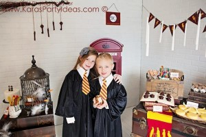 Harry Potter themed birthday party idea via Kara's Party Ideas | KarasPartyIdeas.com #harry #potter #decorations #printables #invitation #party #supplies #idea #cake #cupcakes #activities (27)