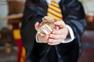 Harry Potter themed birthday party idea via Kara's Party Ideas | KarasPartyIdeas.com #harry #potter #decorations #printables #invitation #party #supplies #idea #cake #cupcakes #activities (22)