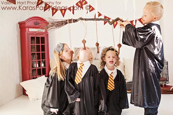 Harry Potter themed birthday party idea via Kara's Party Ideas | KarasPartyIdeas.com #harry #potter #decorations #printables #invitation #party #supplies #idea #cake #cupcakes #activities (2)