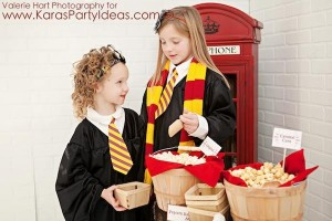 Harry Potter themed birthday party idea via Kara's Party Ideas | KarasPartyIdeas.com #harry #potter #decorations #printables #invitation #party #supplies #idea #cake #cupcakes #activities (1)
