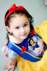 Snow White Birthday Party via Kara's Party Ideas | KarasPartyIdeas.com #snow #white #disney #princess #party #ideas (3)