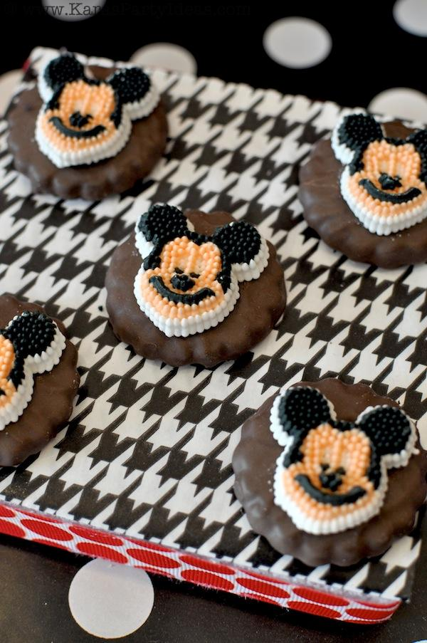 Mickey Mouse Birthday Party via Kara's Party Ideas | KarasPartyIdeas.com #mickey #mouse #cake #favor #decorations #supplies #birthday #party #ideas (29)