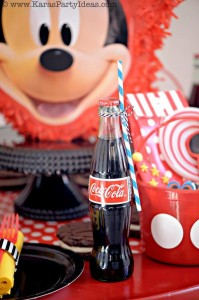 Mickey Mouse Birthday Party via Kara's Party Ideas | KarasPartyIdeas.com #mickey #mouse #cake #favor #decorations #supplies #birthday #party #ideas (40)