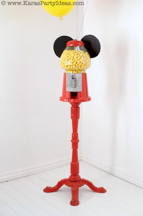 Mickey Mouse Birthday Party via Kara's Party Ideas | KarasPartyIdeas.com #mickey #mouse #cake #favor #decorations #supplies #birthday #party #ideas (16)