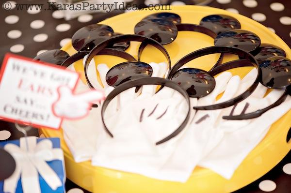 Mickey Mouse Birthday Party via Kara's Party Ideas | KarasPartyIdeas.com #mickey #mouse #cake #favor #decorations #supplies #birthday #party #ideas (3)