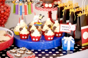 Mickey Mouse Birthday Party via Kara's Party Ideas | KarasPartyIdeas.com #mickey #mouse #cake #favor #decorations #supplies #birthday #party #ideas (37)
