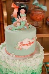 Mermaid girl under the sea party via Kara's Party Ideas! KarasPartyIdeas.com #mermaid #themed #birthday #party #planning #supplies #cake #cupcakes #idea (60)