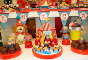 Circus Birthday Party via Kara's Party Ideas | KarasPartyIdeas.com #circus #carnival #birthday #party #ideas (12)
