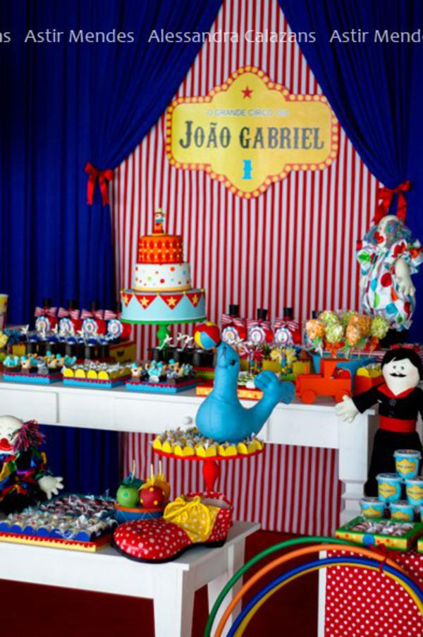 Circus Carnival Party via Kara's Party Ideas | KarasPartyIdeas.com #circus #carnival #birthday #party #ideas (18)