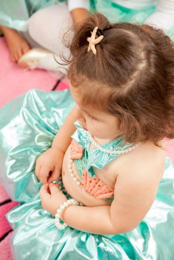Mermaid girl under the sea party via Kara's Party Ideas! KarasPartyIdeas.com #mermaid #themed #birthday #party #planning #supplies #cake #cupcakes #idea (54)