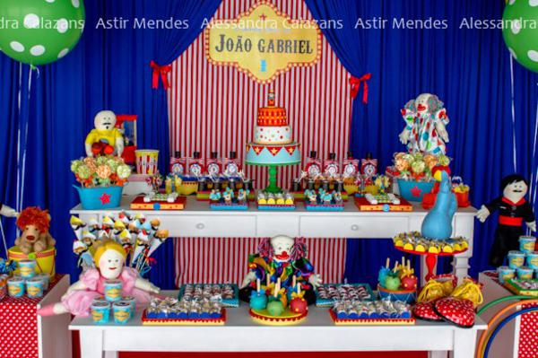 Circus Carnival Party via Kara's Party Ideas | KarasPartyIdeas.com #circus #carnival #birthday #party #ideas (8)