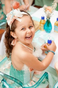 Mermaid girl under the sea party via Kara's Party Ideas! KarasPartyIdeas.com #mermaid #themed #birthday #party #planning #supplies #cake #cupcakes #idea (53)