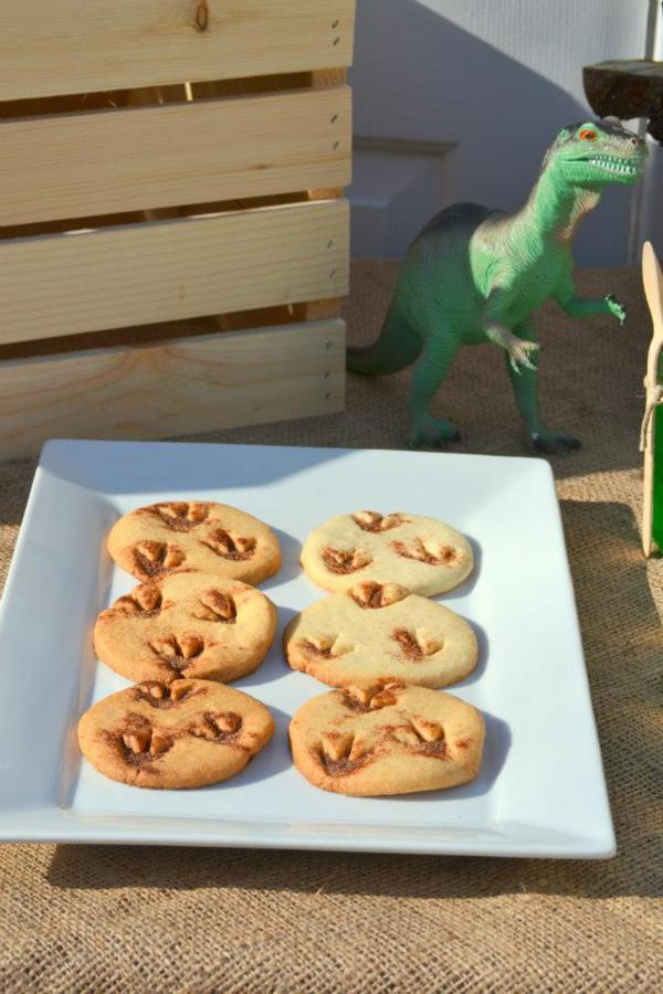 Dinosaur Birthday Party via Kara's Party Ideas | KarasPartyIdeas.com #dino #dinosaur #dinomite #birthday #party #ideas (10)