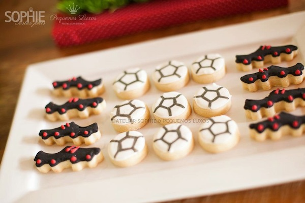 Soccer themed birthday party via Kara's Party Ideas | KarasPartyIdeas.com #soccer #themed #birthday #party #supplies #decor #cake #idea #cupcakes #favors (28)