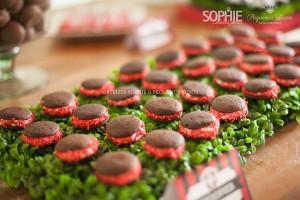 Soccer themed birthday party via Kara's Party Ideas | KarasPartyIdeas.com #soccer #themed #birthday #party #supplies #decor #cake #idea #cupcakes #favors (26)