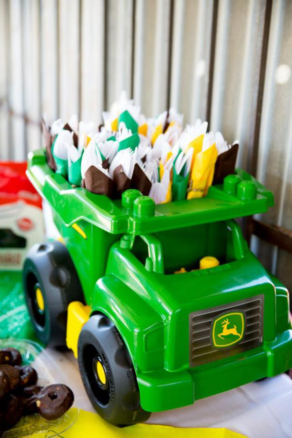John Deere Farm Party via Kara's Party Ideas | KarasPartyIdeas.com #john #deere #birthday #party #ideas (7)