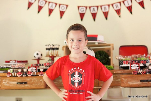 Soccer themed birthday party via Kara's Party Ideas | KarasPartyIdeas.com #soccer #themed #birthday #party #supplies #decor #cake #idea #cupcakes #favors (19)