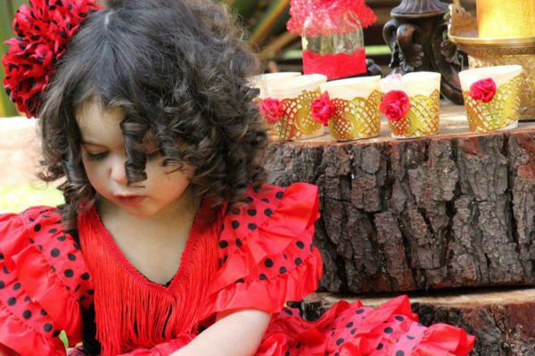 Flamenco Dancer Themed Party via Kara's Party Ideas | KarasPartyIdeas.com #flamenco #dance #rose #red #party #ideas (19)