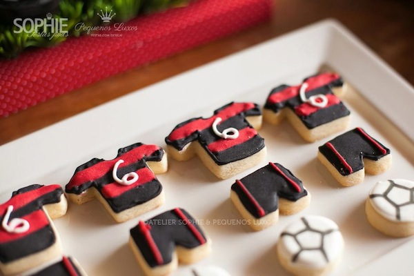 Soccer themed birthday party via Kara's Party Ideas | KarasPartyIdeas.com #soccer #themed #birthday #party #supplies #decor #cake #idea #cupcakes #favors (12)