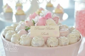 Pretty Pink Vintage Wedding via Kara's Party Ideas | KarasPartyIdeas.com #pretty #vintage #pink #wedding #party #reception #ideas (2)
