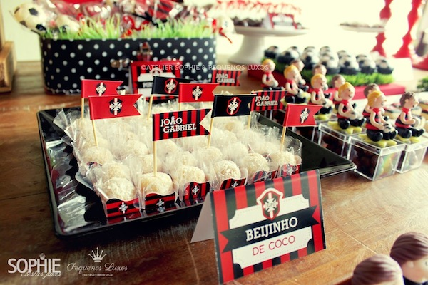 Soccer themed birthday party via Kara's Party Ideas | KarasPartyIdeas.com #soccer #themed #birthday #party #supplies #decor #cake #idea #cupcakes #favors (4)